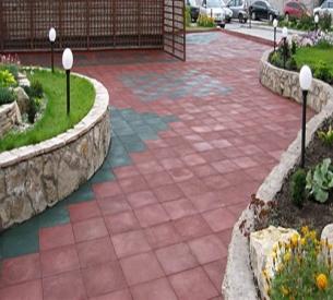 Резиновая плитка в ландшафтном дизайне загородного участка
