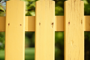 Краска для дерева – почему стоит выбрать акрил?